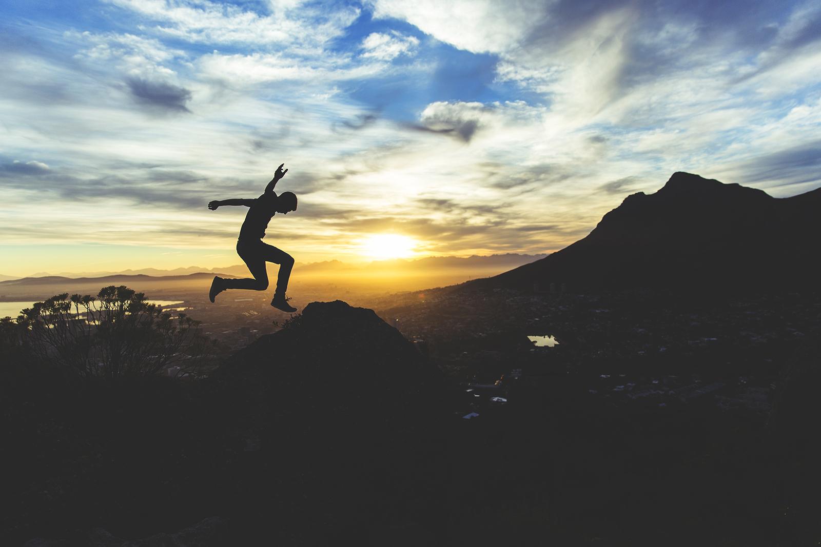 目標に向かってジャンプ